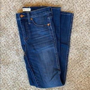 Madewell 10 inch rise jeans. Size 25. Light rinse
